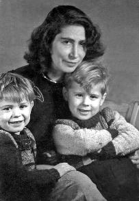 Vera Kopetz mit ihren Kindern